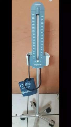 Tensiómetro con pedestal