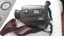 Vendo Compact VHS Camcorder JVC GR-AX94 - Usada