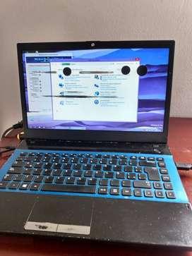 portátil Samsung np300V4A OJO LEER