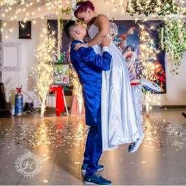 Te organizamos tu baile de boda
