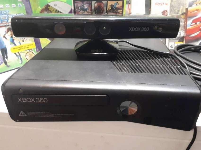 xbox 360 + kinet + 11 juegos originales 0