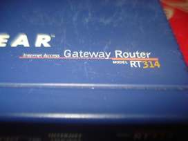 Router Netgear Rt314 No Inhalambrico Con transformador funcionando