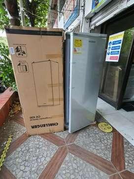 Vendo congelador vertical Challenger