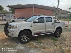 Venta de camioneta Toyota Hilux sr5 4x4 full extras