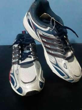 Zapatos Deportivos de españa nuevos con etiqueta. Talla 38