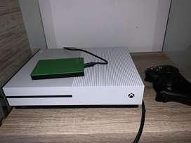 Xbox One S usado con control y memoria de 2 terabytes