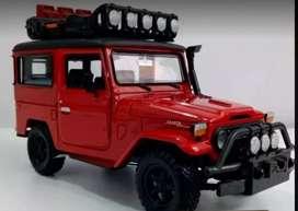 Toyota FJ40 Safari Rojo, Escala 1:24, Metálico, 18 Centímetros de Largo