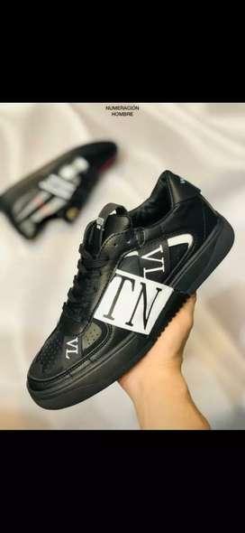 Zapatos Valentino caballero