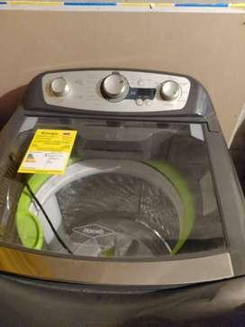 Vendo lavadora HACEB M1305, 28,6 libras, 18 meses de uso