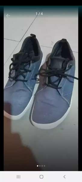 Zapatillas adidas talla 9 traída de usa 75 dólares