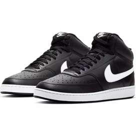 Nike Court Visión