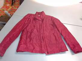 Remato Casaca Acolchada Seminueva Color Rojo
