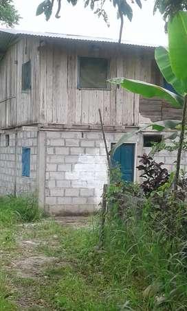 Terreno con casita en misahualli