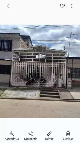 Vendo apartamento de 90 m2 ubicado en el barrio san antonio, precio negociable.