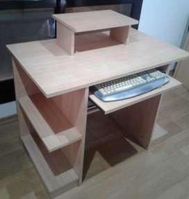 Mueble escritorio y para la PC