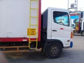 Vendo camion hino 10.18 año 2015