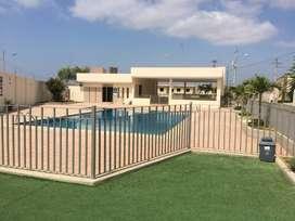 Alquiler casa en Manta en urbanización privada zona norte