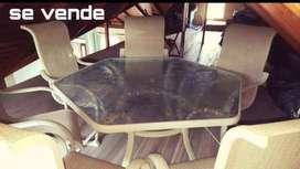 Se vende  mesa de cristal