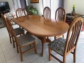 Juego comedor de lujo. Mesa y 6 sillas. Mendoza