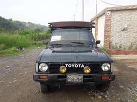 camioneta verde toyota stout 2200 año 1997