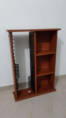 Mueble Organizador. Espacios para Cd's