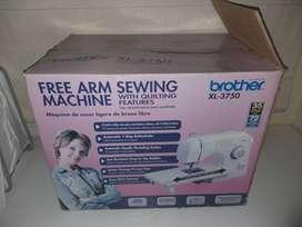 Vendo maquina de coser Brother xl 3750, color blanca, sin uso, con todos sus accesorios. GRAN OPORTUNIDAD!!