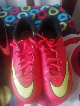 Guayos Nike poco uso
