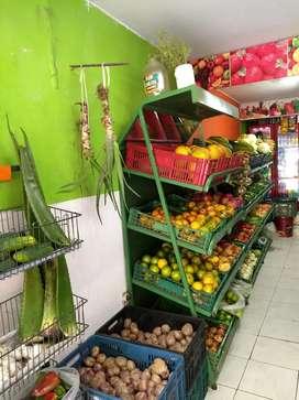 Local de fruver (frutas y verduras) local en Aranjuez, propietario Hernando Castro