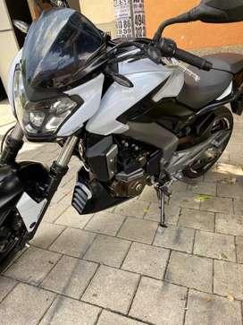 Vendo moto Dominar 400 modelo 2019 en excelente estado todo al día