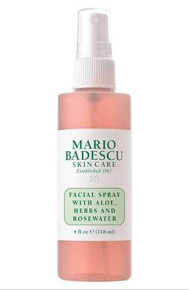 Spray facil con aloe,hierbas y agua de rosas- MARCA *Mario Badescu* .