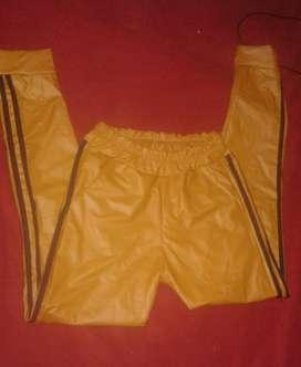 Pantalon Tipo Calsa Simil Cuero