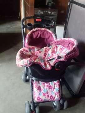 Se vende coche para niña con silla