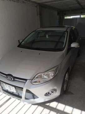 Propietario vende Ford Focus se plus 2013  excelente estado. Listo para transferir.