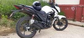 Vendo moto  o permuto x algo más de cc si es necesario  seda excedente
