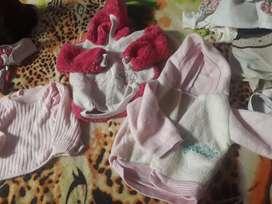 Vendo lote de ropa para bebe 0 a 5 meses de segunda bun estado