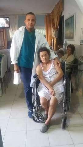 Ofrezco mis servicios para cuidar adultos mayores ,total disponibilidad y experiencia