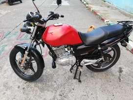 Moto gs125