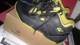 Zapatillas de básquet n•38 Topper original Buen estado segunda mano  Salta, Salta