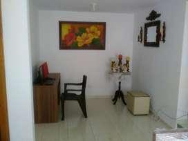 Casa con un año de ser entregada nueva, excelente ubicación, buena iluminación, parqueadero propio, terraza