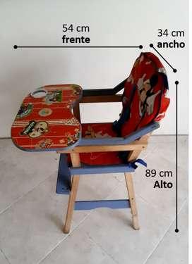 Silla comedor - escritorio para niño en excelente estado.