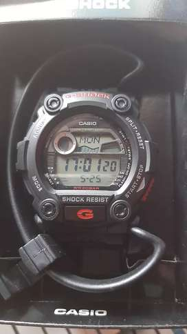 Se vende o se cambia a iphone  a30s y reloj G shock  original