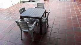 Mesa Exterior con 4 sillas