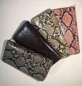 Venta de bolsos y billeteras al detal y al por mayor Referencia: D-037
