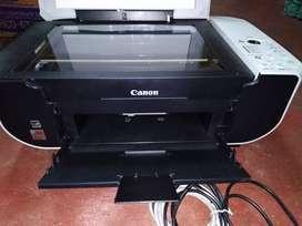 Impresora multifuncional. En perfectas condiciones. Todo operaritivo