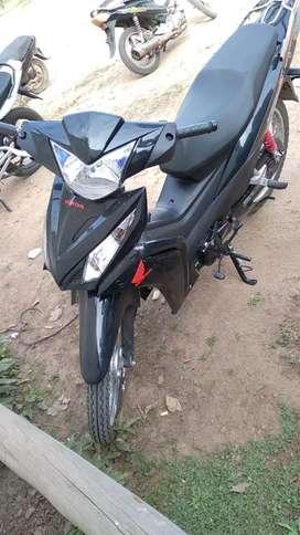 Vendo motocicleta HONDA WAVE 110 c.c color negra, 2000 km de uso