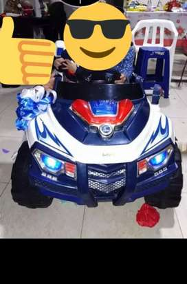 Carro de batería  recargable con luces y sonido negociable