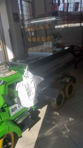 Se vende mula Avenera refrigerador en acero