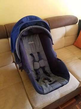 Silla nido de bebe para auto