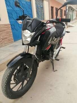 MOTO HONDA 125 CC DEL 2018  con dos llaves originales