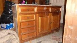 Mueble en cedro con base de marmol (2)
